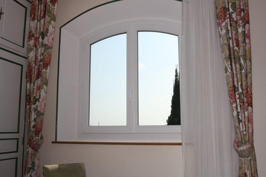 Fenêtre en aluminium – Les Menuiseries de la Vallée